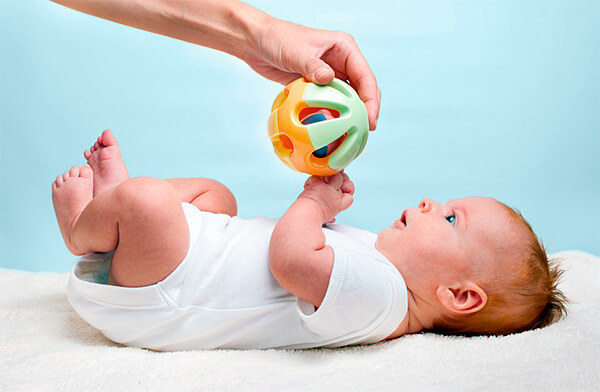 Важно понимать, что приём ромашки матерью вполне может сказаться на состоянии ребенка.