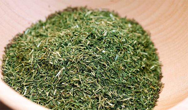 По сравнению даже с ромашкой трава чабреца - очень безопасное натуральное сырье.
