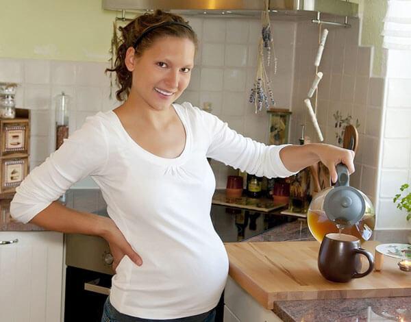 Острой необходимости пить ромашковый чай при беременности никогда не бывает.