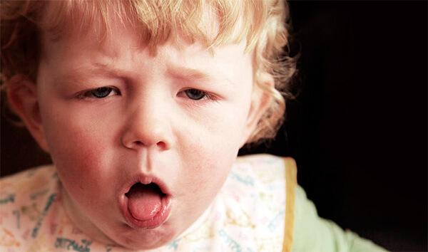 Кашель вообще нельзя лечить - лечить нужно болезнь, симптомом которой является кашель.