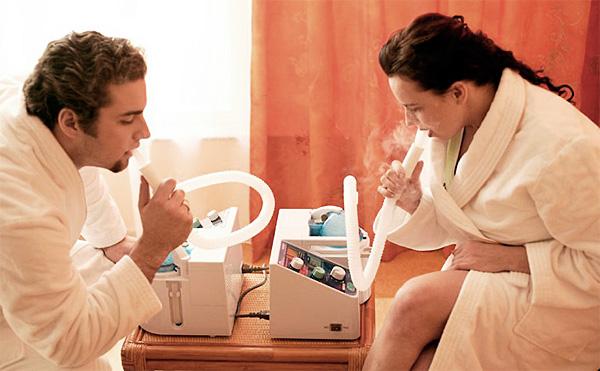 Задача небулайзера - доставить лекарственное средство в легкие, минуя верхние участки дыхательных путей.