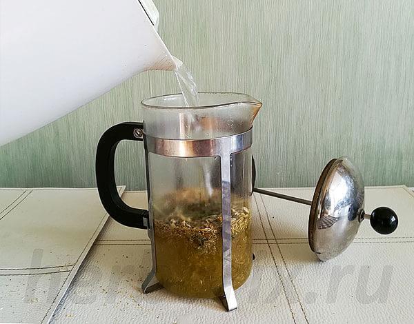 Считается, что чай полезнее отвара, но с большой вероятностью это миф.