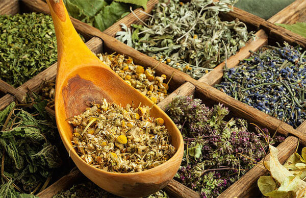Разные травы как оказывают разные полезные действия, так и могут вызывать разные побочные эффекты.