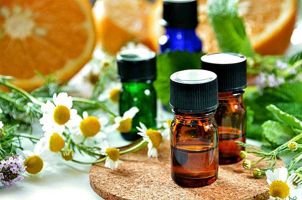 От цвета и возраста масла его полезные свойства не зависят.