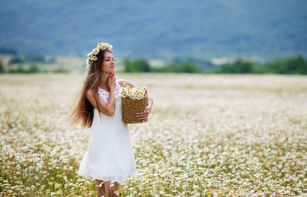 Такой сон достаточно светел и приятен, хотя трактовать его можно по-разному.