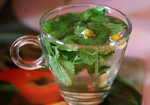 Оба компонента такого чая оказывают мягкий седативный эффект.