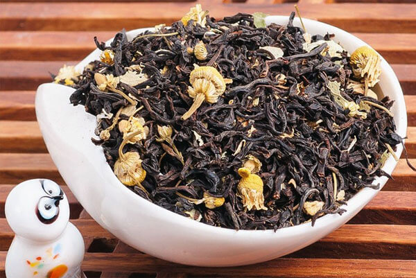 Называть его ромашковым чаем не совсем корректно, но такое название в общем можно встретить.