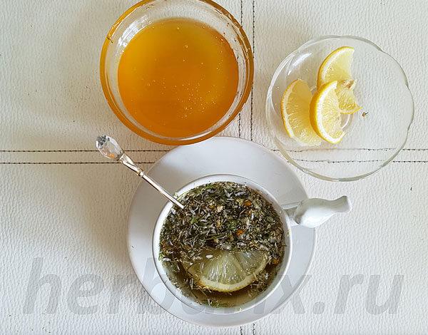 Перед началом приёма чая с ромашкой нужно учесть и пользу его, и возможный вред для организма.