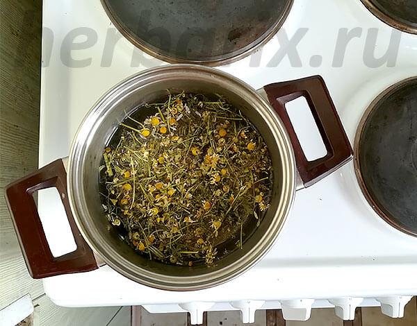 В отличие от отвара чай готовится, когда сырье лишь заливается кипятком, а настой вообще настаивается в холодной воде.