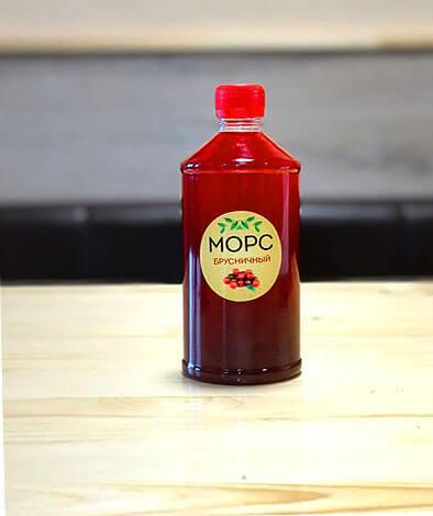 Брусничный морс хорош, как средство для питья - именно обильное питье позволяет сдерживать рост температуры при простуде.