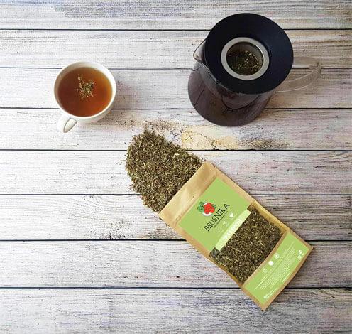 Хорошо заваренный, такой чай имеет насыщенный коричневато-зеленый цвет.