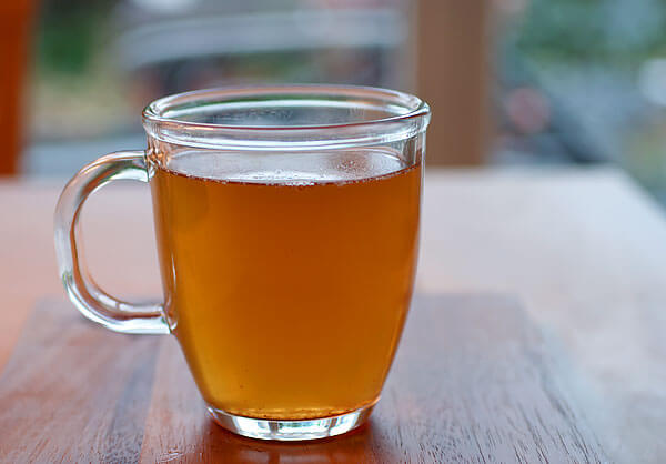 Если необходимости нет, пить такой чай не стоит.