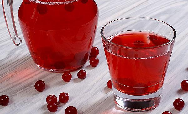 Иногда считают, что брусничный морс ещё более эффективен, чем сок.