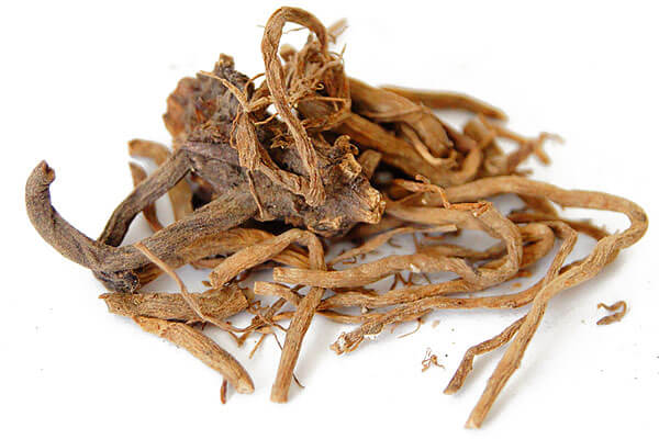 Перед добавлением в таблетки эти корни измельчаются, специально обрабатываются и смешиваются с другими компонентами препарата.