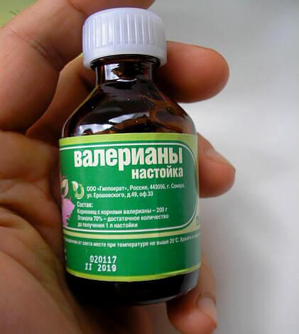 Тем не менее, такие спиртовые растворы валерианы оказывают лечебное действие, несмотря на возможные побочные эффекты.