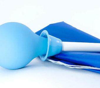 От чего помогают клизмы с ромашкой и как их проводить в домашних условиях