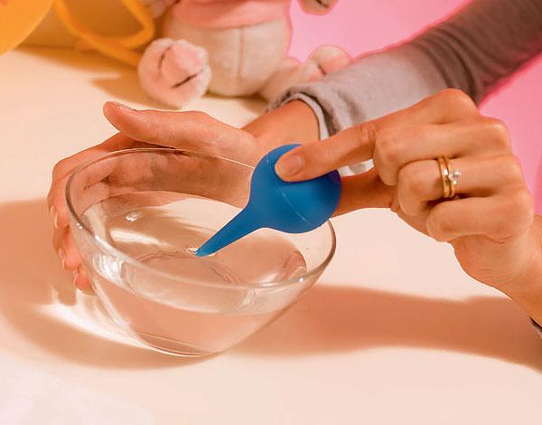 В подавляющем большинстве случаев, когда ребенку делают клизмы с ромашкой, надобности в таких процедурах нет.