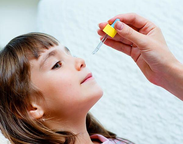 Известны случаи тяжелых аллергий в ответ на закапывание сока алоэ с симптомами анафилаксии.
