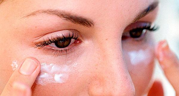 Различные высыпания и раздражения на коже ослабевают под действием препаратов на основе алоэ.